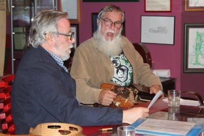 O FACHO: A música folk na Galiza por Baldomero Francisco Iglesias do Barrio (Mero) e Xosé Luís Rivas Cruz (Mini)